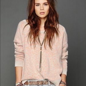 🌞Free People Peach Ivory Leopard Print Sweater